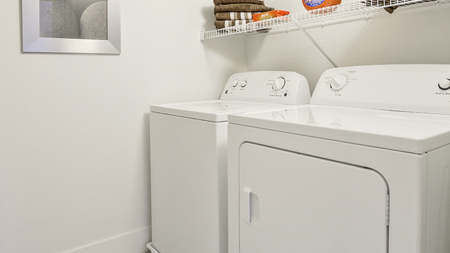 Evolve Apartments - Personal Washer and Dryer